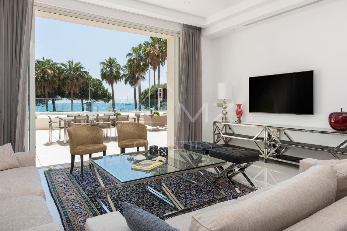 Cannes - Croisette - Villa-Apartment with panoramic sea views - photo3