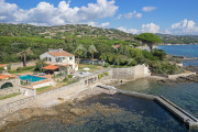 Proche Saint-Tropez - Villa pieds dans l'eau avec ponton - photo1