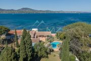 Sole Agent - Close to Saint-Tropez - Outstanding waterfront opportunity - photo1