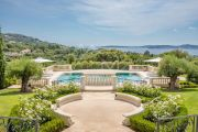 Grimaud - Domain of Beauvallon - Majestic property with sea view - photo2