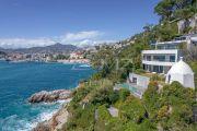 Nice - Cap de Nice - Villa contemporaine en 1ère ligne avec accès mer - photo1
