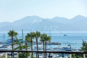 Cannes - Croisette - Apartment with a panoramic sea view - photo1