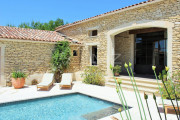 Close to Gordes center - Lovely stone built villa with heated pool - photo2