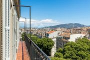 Haussmanian apartment on the top floor - photo4