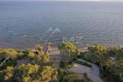 Close to Saint-Tropez - Waterfront property - photo5