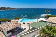 Exceptional property by the sea - photo10