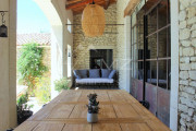 Close to Gordes center - Lovely stone built villa with heated pool - photo3