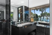 Cap d'Antibes - Magnificent contemporary property overlooking the bay of Garoupe - photo11