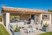 Gordes - Comfortable holiday home with heated pool - photo4