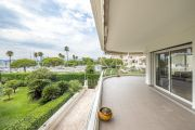 Cannes - Croisette - 3 rooms apartment with sea view - photo2