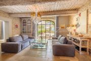 Proche Gordes - Magnifique Mas restauré au milieu des oliviers - photo7