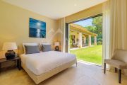 Saint-Tropez - Contemporary villa close to the beach - photo9