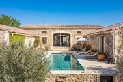 Gordes - Lovely stone built villa with heated pool - photo1