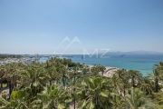 Cannes - Croisette - 4 rooms apartment with panoramic sea view - photo13