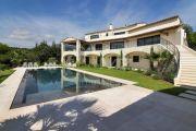 Proche Saint-Paul de Vence - Luxueuse villa au sein d'un domaine fermé - photo1