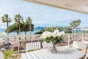 Cannes - Croisette - Apartment with a beautiful sea view - photo2