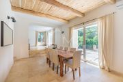 Grimaud - Beautiful renovated stone mas and guest annexe with waterfall - photo10