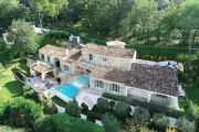 Mougins - In a residential domain - photo1