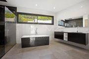 Close to Mougins - Newly built contemporary villa - photo10