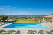 Gordes - Comfortable holiday home with heated pool - photo3