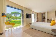 Saint-Tropez - Contemporary villa close to the beach - photo8