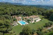 Недалеко от Сен-Поль-де-Ванс - Частное имение в окружении идиллических пейзажей - photo1