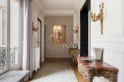 Paris 17ème - Bel appartement haussmanien 156M2 avec parking - photo13