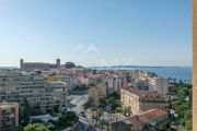 Bourgeois 1855 - 7 rooms - Top floor apartment panoramic sea view - photo10