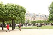 Marais Place Des Vosges Courtyard View - photo13