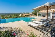 Gordes - Magnificent property with heated pool - photo1