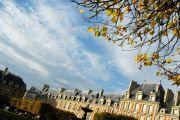Marais Place Des Vosges Courtyard View - photo14