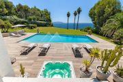 Close to Bandol - Contemporary villa seafront - photo2