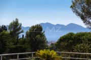 Proche Cannes - Sur les hauteurs - Propriété contemporaine - photo7
