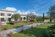 Near Lourmarin: superb renovated farmhouse in the middle of the vineyards - photo4