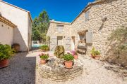 Close to Lourmarin - Renovated bergerie - photo5