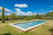 Ménerbes - Gorgeous property with heated pool - photo2