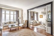 Paris 17ème - Bel appartement haussmanien 156M2 avec parking - photo2