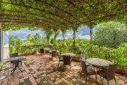 Close to Saint-Rémy de Provence - Property with magnificent view - photo9