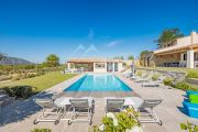Gordes - Comfortable holiday home with heated pool - photo2