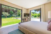 Saint-Tropez - Contemporary villa close to the beach - photo10