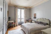 Paris 17ème - Bel appartement haussmanien 156M2 avec parking - photo9