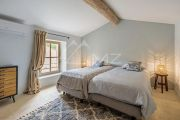 Ménerbes - Gorgeous property with heated pool - photo9