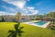 Saint-Tropez - Superb new contemporary villa close to the center - photo2