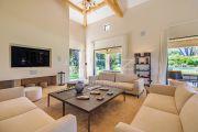 Saint-Tropez - Contemporary villa close to the beach - photo6
