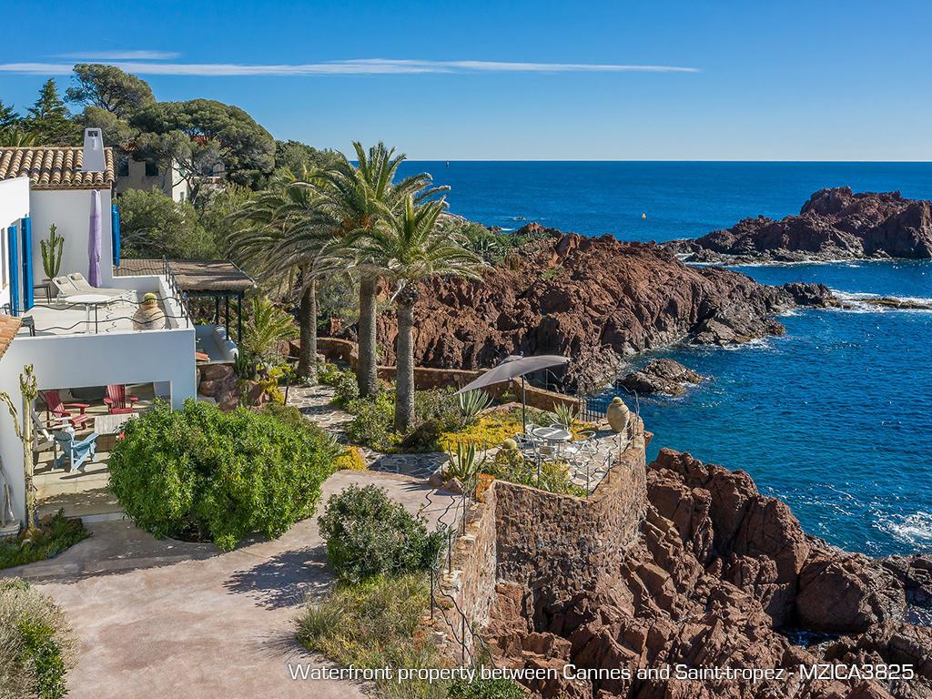 Les plus spectaculaires propriétés pieds dans l'eau de la Côte d'Azur