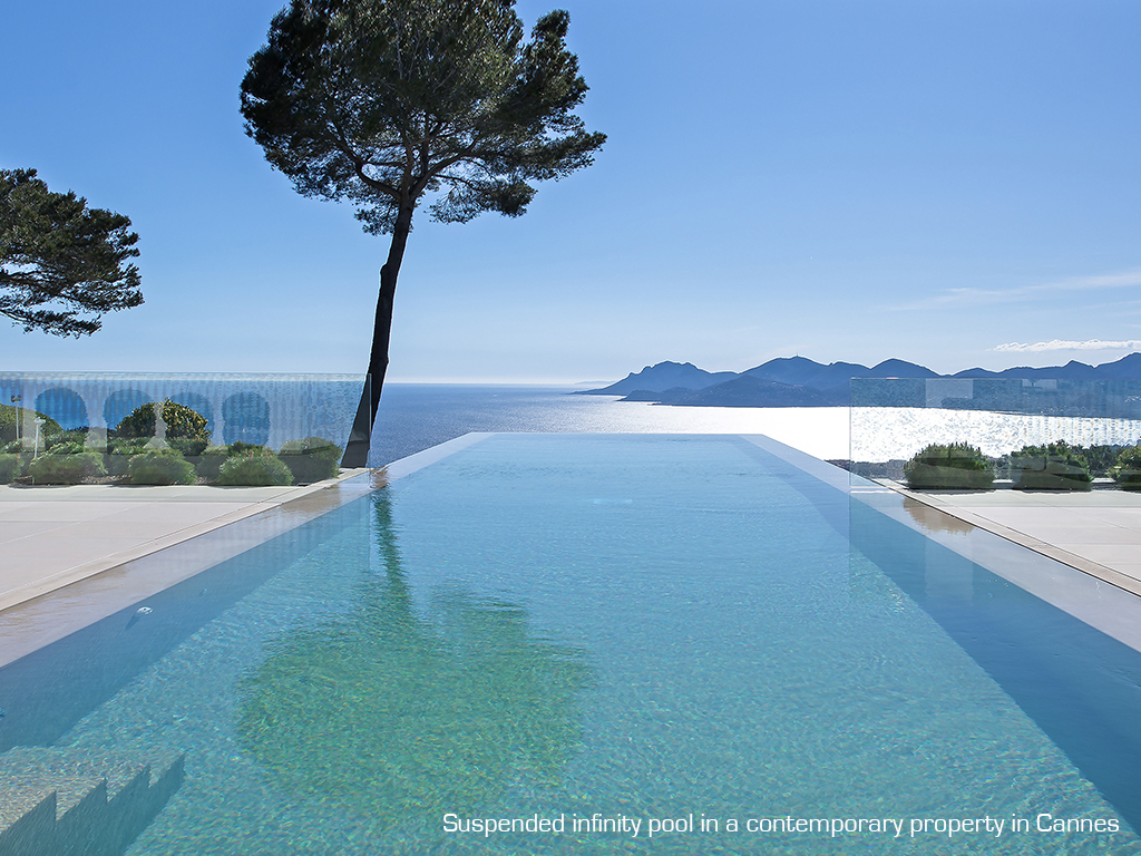 Luxury villa: what kind of pool should you fit in?